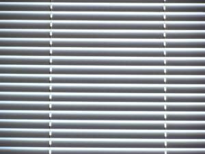 How to Clean Blinds! (Wood, Plastic & Aluminum Blinds)