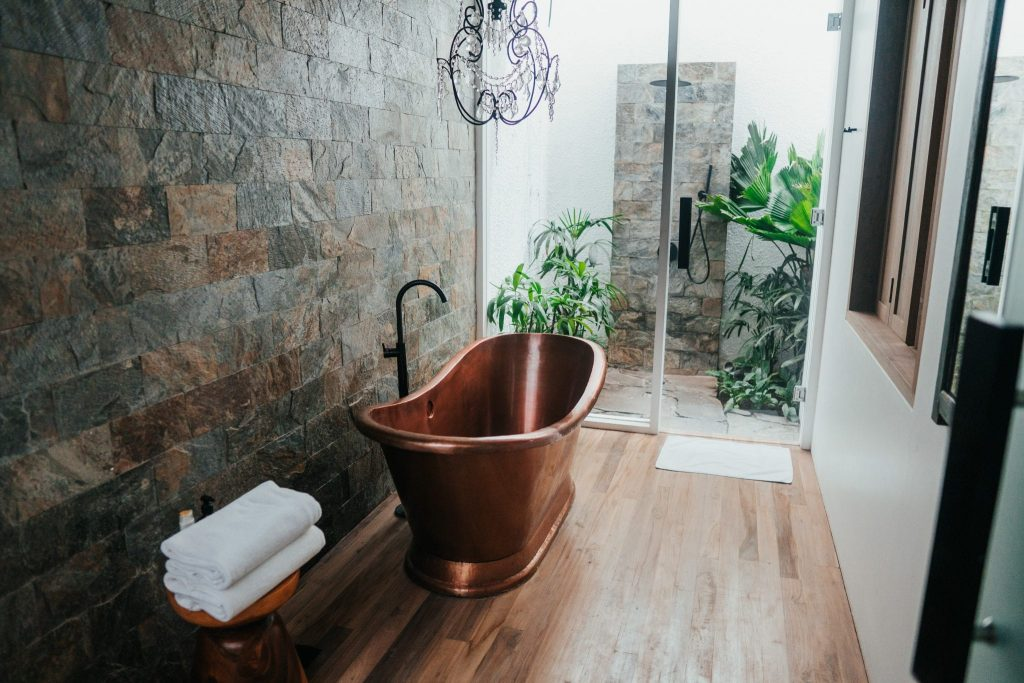 Nine Incredible Ideas for Bathroom Decorating