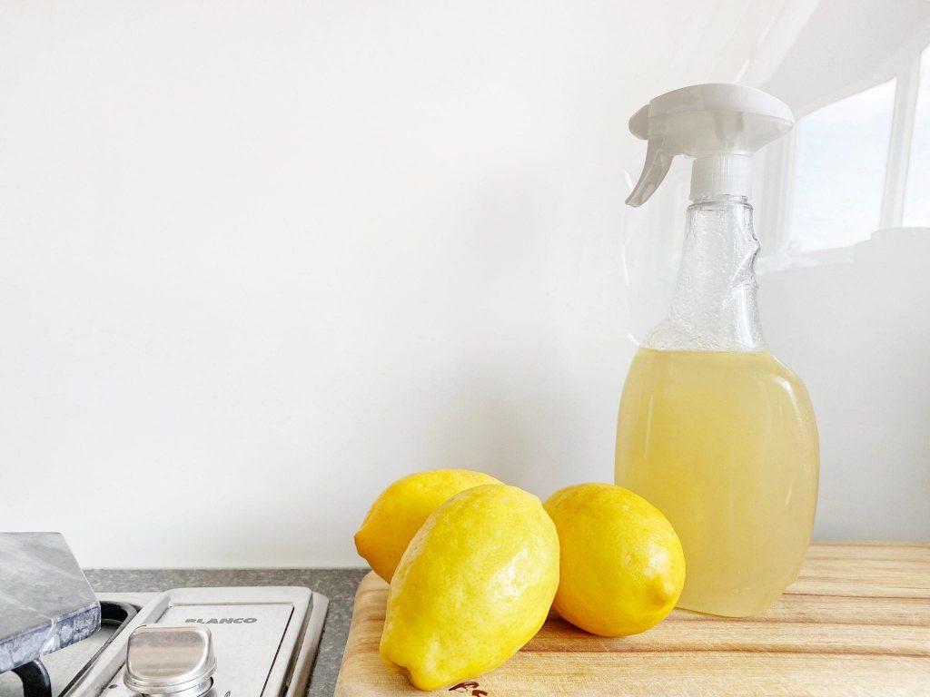 Natural and Inexpensive Cleaning Products for Your House